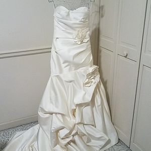 Avant Mariee by Winnie Couture Gown